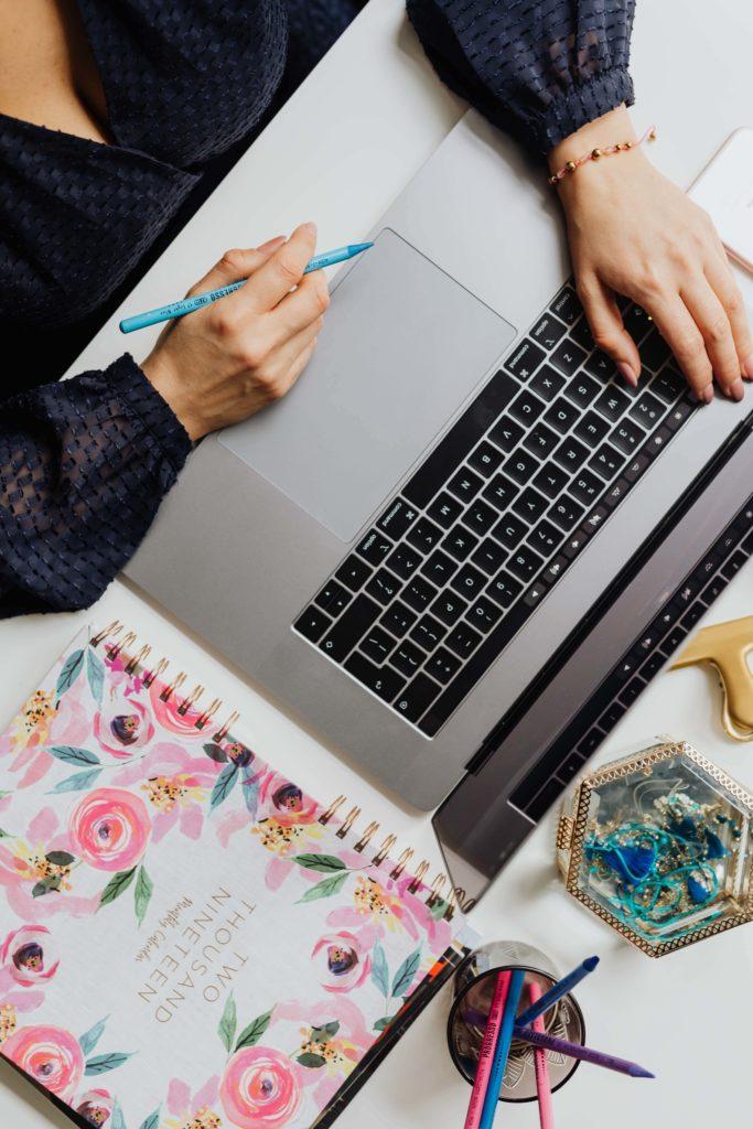 Mes conseils de rédactrice web SEO pour bien rédiger sa page a propos